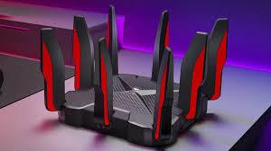Csodabogár a hátán? Nem. Ez a TP-Link legújabb gamer routere!